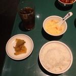 陳麻婆豆腐 - ライス、スープ、ザーサイ、烏龍茶
