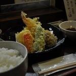 維新亭 - 彩り天ぷら定食960円