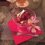 32465925 - デザートのミニパフェ。可愛らしい(≧∇≦)