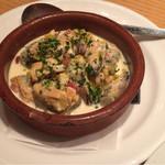 32466425 - ムール貝のマリネレモン アリオリソースがけ                         冷たいスープが非常にマッチ!