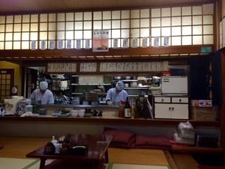 釜めし むつみ - 粋な厨房スタッフたちの風景!