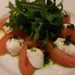 32476574 - 水牛モツァレラチーズとトマトのカプレーゼ