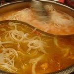 コラーゲン豚しゃぶの店 黒豚の桜蔵 - カレー鍋&トマト鍋