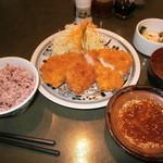 とんかつ浜勝 - 料理写真:コンビかつ定食1285円