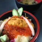 龍宮亭 - ウニ・イクラ丼&味噌汁
