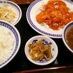 愛京 - サービス定食 850円