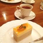 イタリアントマトクラブ - ケーキセット アプリコットバナーヌと紅茶
