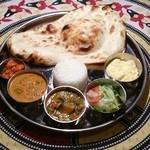 Aladdin Restaurant Indian&Pakistan - プレートランチ650 円 (+税)《平日ランチ限定》