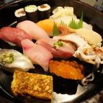 32490506 - 魚浜にぎり寿司¥900(税込)ランチタイム