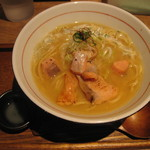 麺と心 7 - 秋鮭香味そば