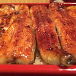 32493862 - 上鰻重、美味しさは特上も上も同じ。美味しいです。