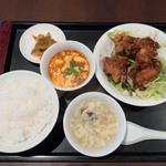 32495005 - 唐揚げの黒酢ソース&ミニマーボ 【サービスランチ】