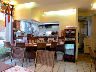 餃子のハルピン - 店内
