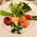 モンレーヴ・カフェ - 生ハムのフラン スモークサーモン 帆立&グリーンアスパラガスのサラダ フランス産カモの冷製
