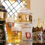 GERMAN FARM GRILL - ビールはドイツ直輸入の「フランツィスカーナー」「シュパーテン」を中心に15種類以上