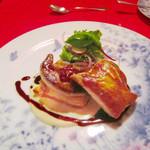 レストラン クララ - (2014.10月)フォアグラのフイユテ 根セロリのピューレと栗。パイ生地とフォアグラが絶妙