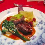 レストラン クララ - (2014.10月)仔牛フィレ肉のフォワイエ、仔羊ロース肉のグリエ。一線級の味わい