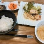 ハッピー サプライカフェ スピカ - Happylunch820円☆メインはチキンのチーズ焼き☆11/11