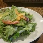 32528899 - サラダと野菜ジュース