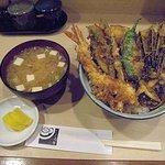 てんぷら石原 - 軽やかな味のお味噌汁が濃いめの味の天丼と合っておいしいです お味噌汁は別料金