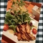 32530517 - ローストチキンサラダ バルサミコ風味 ¥970