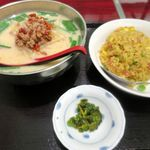 豊澤園 -  麺飯セット750円から豚骨台湾ラーメン+カレー炒飯