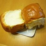 ベンチタイム - ミルクパン360円 半分に割り断面を…