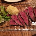 黒毛和牛一頭買い肉バル デルソーレ - 肉の旨味