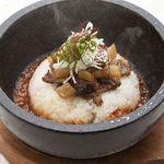 千の庭 - 和牛スジ石焼きご飯