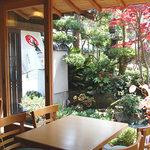 お花茶屋 - 厨房側からの眺め