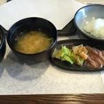 天ぷら倶楽部 - お漬け物、いかの塩辛等サービス、衛生管理万全です。