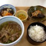 市庁舎食堂 弥助 - 料理写真:牛汁定食 600円 (2014.11現在)