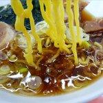 きよっち食堂 - 醤油ラーメンの麺