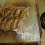 九州黒太鼓 - 博多焼き餃子