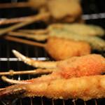 串カツ ゑびす - 海老、蟹、チーズ、しし唐、特選ロース、鶏軟骨、蛸、砂ずり