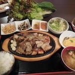 チョデ - サムギョプサルランチ¥1000-
