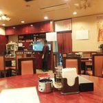 中国料理 安泰楼 - 全64席の店内