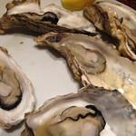東北バル トレジオン - 牡蠣蒸し焼き