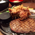 ステーキ&ハンバーグ専門店 東京壱番グリル - 唐揚げとハンバーグのBセット(980円)
