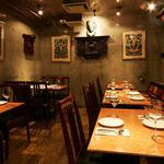 クンビラ - 通常の一般テーブル席 喫煙フロアー 10名様前後で貸切も人気