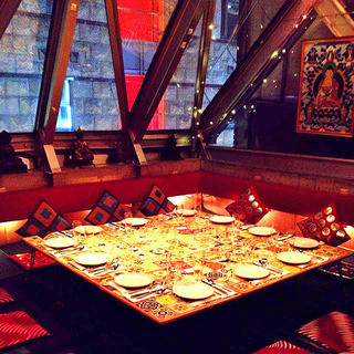 【5階】★ガラス張り個室はふかふかカーペット&クッションの大人気のペントハウス★