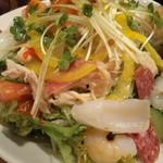 炉囲土 - 海鮮サラダ