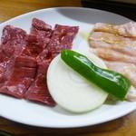 おおはし - 牛ハラミ(750円)、ミノ(800円)