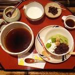 紙カフェ - 堺珈琲と紙パフェ(抹茶)