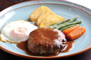 浪漫風 - おすすめは洋食の定番、ハンバーグ。