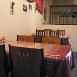 チャンドリカ - テーブル席