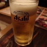 どったんばっ炭 - 生ビール中ジョッキ(500円,税抜)