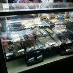 32598584 - 寿司のシューケース