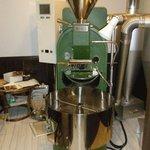 cafe goot - 内観写真:当店自慢の焙煎機です!