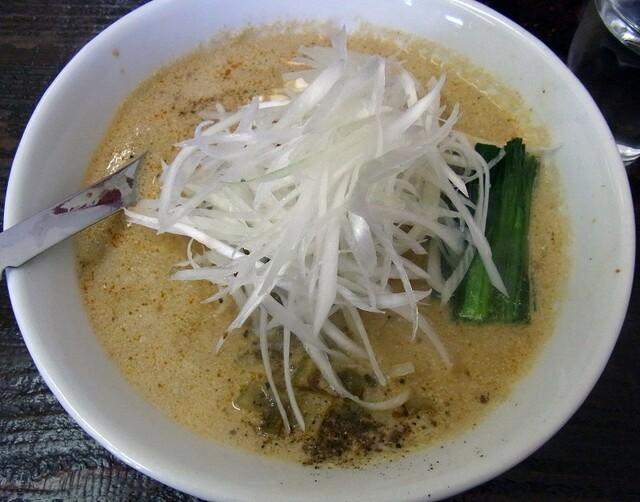 ビンギリ - こだわり担々麺 750円